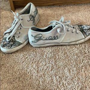 Guess super cute tennis shoes